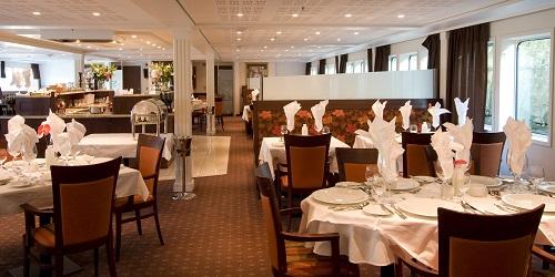 AMA Waterways - AmaCello Restaurant