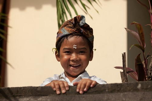 Indonesia - Playful child 500 x 333