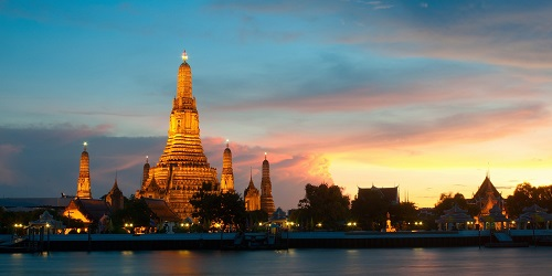 Thailand - Bangkok Wat Arun Temple of Dawn 500 x 250